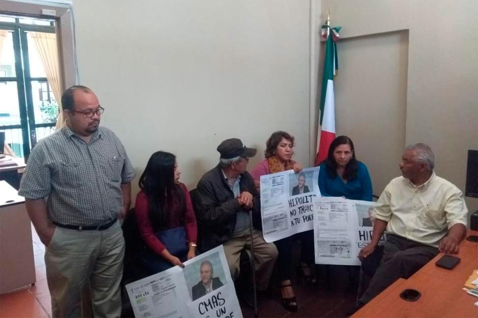 La Comisión Municipal de Agua Potable y Saneamiento de Xalapa (CMAS), la Dirección de Gobernación y representantes de la agrupación Vendedores Independientes de Veracruz (VIVE), llegaron a un acuerdo para firmar convenios de pago y regularizar los adeudos que los integrantes de la organización mantienen con el organismo operador.