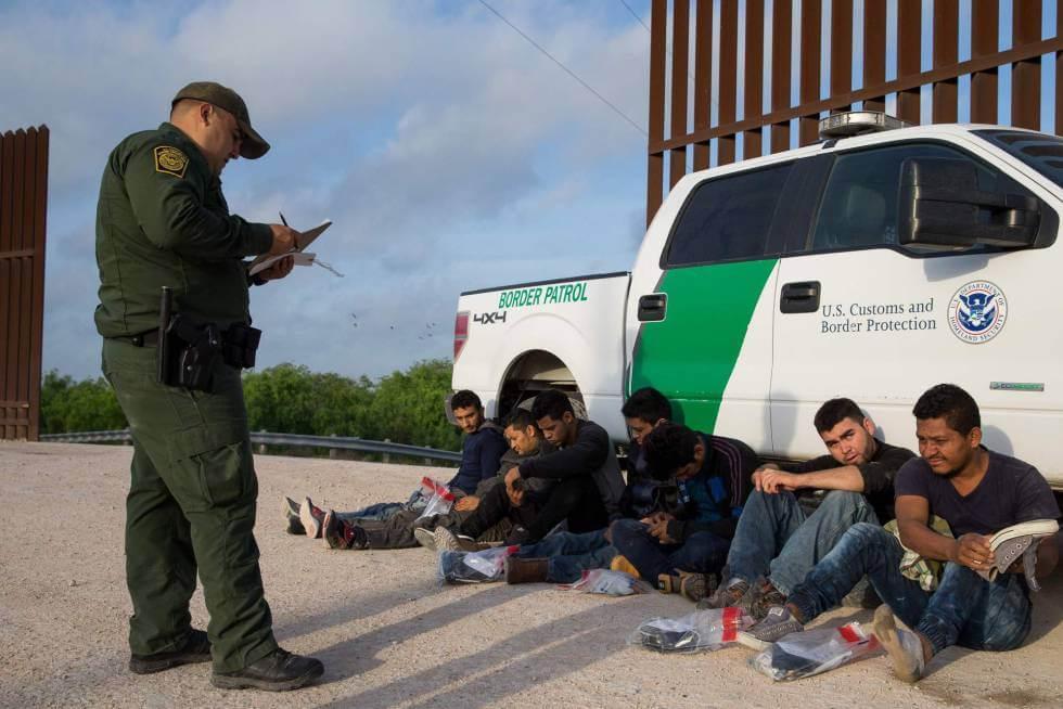El nuevo sistema de deportaciones exprés de Estados Unidos entra en vigor este martes con el fin de acelerar las expulsiones de miles de indocumentados que no puedan demostrar a las autoridades de migración que han vivido en el país durante dos años consecutivos.