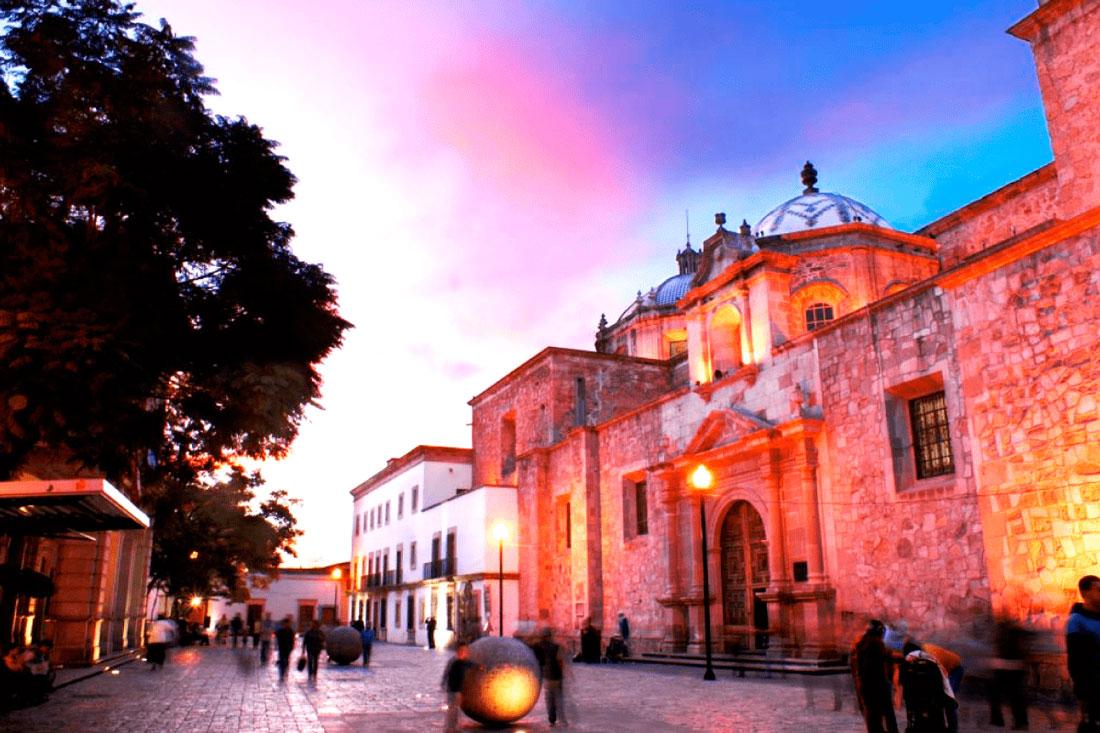 Podrán participar en el Premio Bellas Artes de Poesía Aguascalientes 2020, escritores mexicanos o extranjeros residentes en el país con mínimo cinco años.