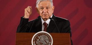 """El presidente, Andrés Manuel López Obrador garantizó que respetará la autonomía de la Fiscalía General de la República (FGR) en el caso del abogado Juan Collado. Collado fue arrestado el martes por acusaciones de delincuencia organizada y operaciones con recursos de procedencia ilícita. """"Tengo la información que dio a conocer la Fiscalía acerca de que se trata de un juicio, una denuncia que se presentó en Querétaro desde hace dos o tres años y que estaba detenida, se reactivó y llegó a la Fiscalía y procedieron"""", señaló el presidente. El mandatario explicó que se trata de un asunto de fraude o algún delito de este tipo y les recuerdo también que la Fiscalía es autónoma, fue un cambio que pasó de noche pero es un cambio de fondo, era una demanda."""