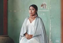"""Una de las fotografías de la actriz Yalitza Aparicio que se incluyó en las páginas de Vogue México en su edición de enero de este año formará parte de la exposición """"Vogue Like a Painting""""."""