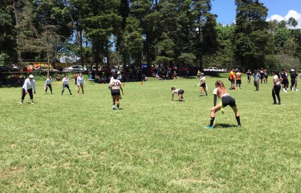 Las Jaguares de la Universidad de Xalapa vencieron por score de 26-6 a las Koalapaches en actividad del Torneo AFX Flag (Tochito Bandera Femenil), desarrollado en las instalaciones del anexo de la Bénemerita Escuela Normal Veracruzana.