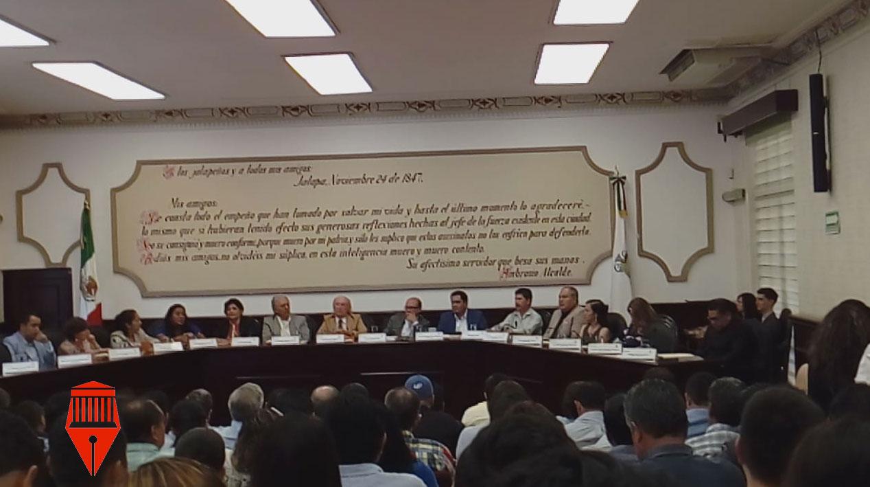 El Cabildo de Xalapa aprobó la reforma alReglamento de Conservación Ecológica para prohibir el uso debolsas, popotes y envases de plástico en empresarias locales.