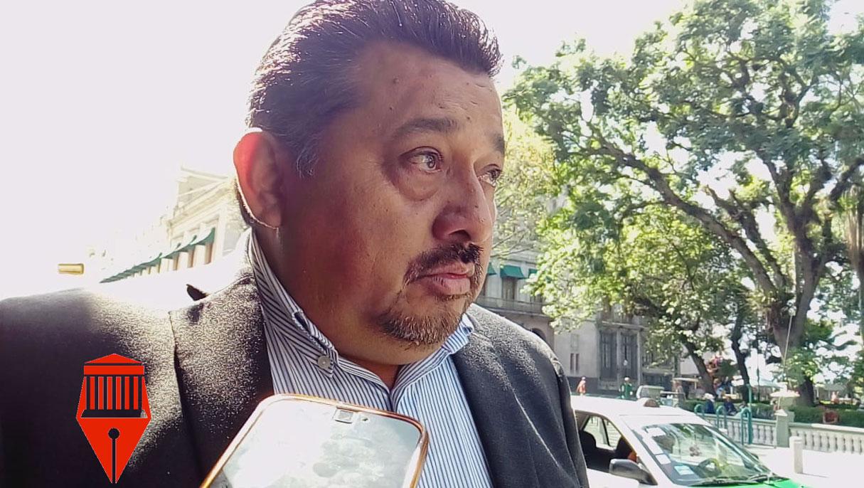 Durante más de cuatro meses la calle Revolución permanecerá cerrada a la circulación vehicular por lostrabajos de reencarpetado que realizará el Ayuntamiento de Xalapa.