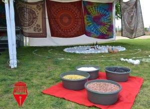 El mes de julio, se celebran las fiestas de la vendimia en la ciudad de Ezequiel Montes, Querétaro. El principal motivo de dicha celebración, es agradecer por la cosecha de uvas de cada año. Dentro de los viñedos, hay venta de artesanías que en su mayoría son mexicanas, aunque también vienen de otros países. De igual manera, se encuentran las tiendas de comida que te ofrecen platillos elaborados de manera peculiar.
