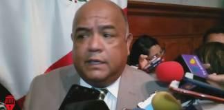Los Ayuntamientos veracruzanos no son obligados a dar trabajo a migrantes, aseguró el secretario de Gobierno, Eric Cisneros Burgos.
