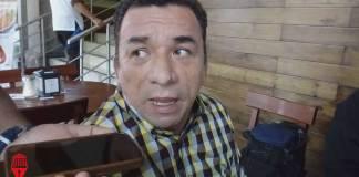 Deben abrirse mesas de diálogo para analizar la reestructuración de la deuda pública, señaló el dirigente estatal del Partido de la Revolución Democrática (PRD), Jesús Alberto Velázquez Flores.