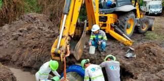 La Compañía de Agua de Boca del Río (CAB) informó la población que este lunes, se extenderán los trabajos de mejora, en la red de agua pluvial de la colonia Revolución, lo que mantendrá cerrada la circulación de un tramo del carril Norte-Sur de la calzada Lázaro Cárdenas, a la altura de la calle Pedro Alvarado.