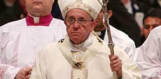 """El papa Francisco instó este domingo al gobierno y oposición de Venezuela a que lleguen """"lo antes posible"""" a un acuerdo para poner fin a la severa crisis que golpea al país petrolero."""