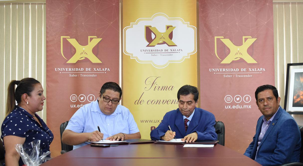 La Universidad de Xalapa realizó una importante firma de convenio con el H. Ayuntamiento de Jilotepec, que permitirá el impulso y apoyo en Educación Superior a estudiantes de la zona, además de beneficiarse por parte de nuestra casa de estudios con becas accesibles.