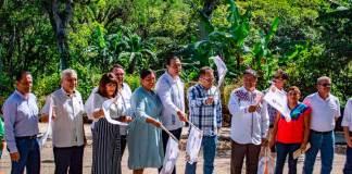 La Secretaria de Infraestructura y Obras Públicas (SIOP), dio el banderazo de arranque a la construcción con pavimento hidráulico de la calle Hacienda en la localidad Zimpizahua, arteria que se localiza entre el tramo carretero Coatepec-Xico.