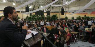 En el marco de la celebración del Día del Trabajador Federal, la Secretaría de Educación de Veracruz (SEV) celebró la vocación de servicio de la base trabajadora y reiteró su compromiso de velar porque se respeten sus derechos laborales.