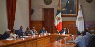 El gobernador Cuitláhuac García Jiménez recibió en Palacio de Gobierno a representantes del Comité Nacional Sistema Producto Café, quienes le informaron que las proyecciones de cosecha para el ciclo 2019-2020 contemplan un incremento del 30 por ciento, es decir, una producción superior al millón 300 mil sacos; lo que reivindicará a Veracruz como el segundo productor nacional.
