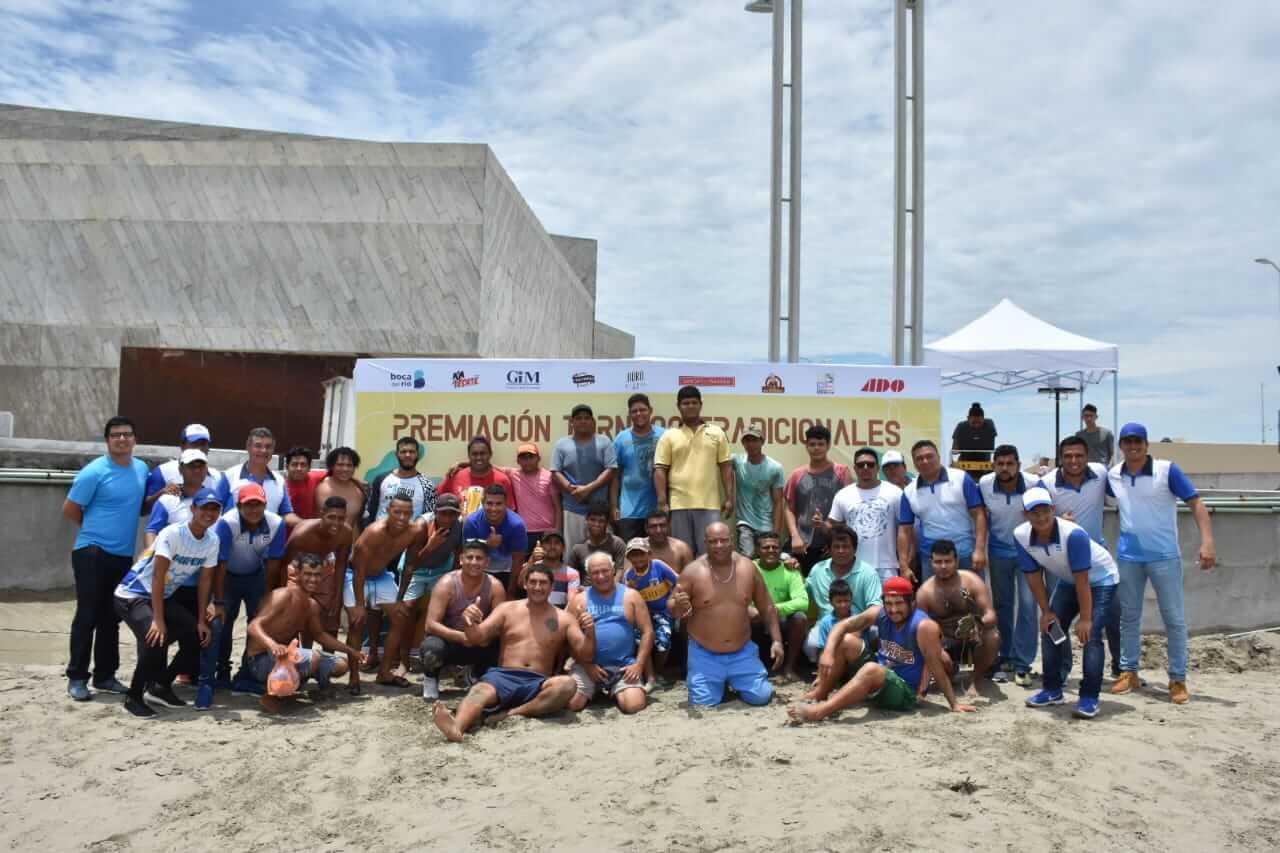 Este viernes 26 de julio en punto de las 12:00 horas arrancaron los concursos tradicionales del Festival Santa Ana.