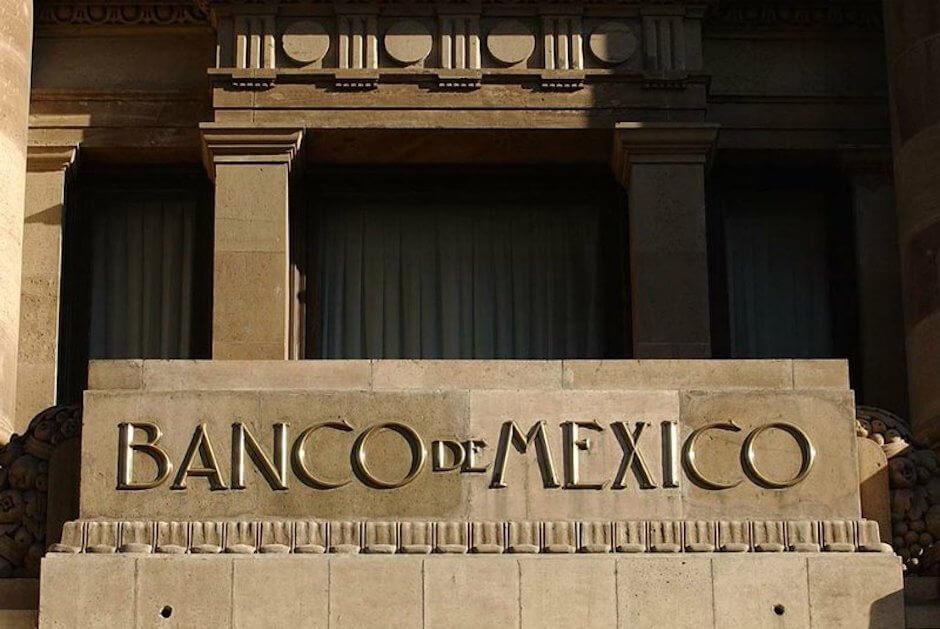 El Banco de México fue fundado por decreto, como sociedad anónima el 25 de agosto de 1925, bajo el mandato de Plutarco Elías Calles.