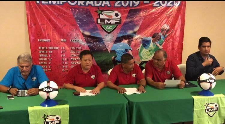Fue presentada la nueva temporada de la Liga Municipal de Futbol, en la que estiman tener una participación superior a los 90 equipos en siete diferentes categorías, reveló el presidente de la liga, Manuel Canela Santos.