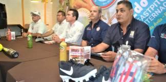 """Este viernes, el Instituto Veracruzano del Deporte (IVD) presentó la conferencia de prensa, la segunda edición del Torneo Revolution Fastpich Softball Internacional Varonil 2019, el cual se desarrollará del 16 al 20 de octubre en el Parque Deportivo Universitario """"Beto Ávila"""" en Boca del Río."""
