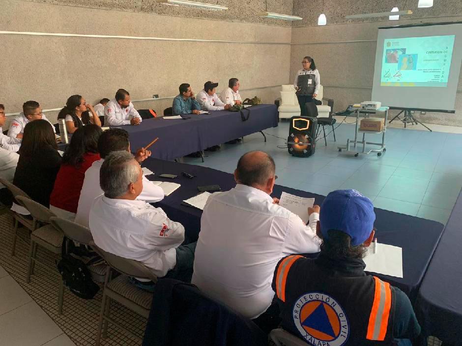 La Secretaría de Salud del Estado de Veracruz (SS) certificó a 25 elementos de Protección Civil municipal (PC) como Primer Respondiente en Primeros Auxilios, en un curso de dos días impartido por el Centro Regulador de Urgencias Médicas (CRUM).