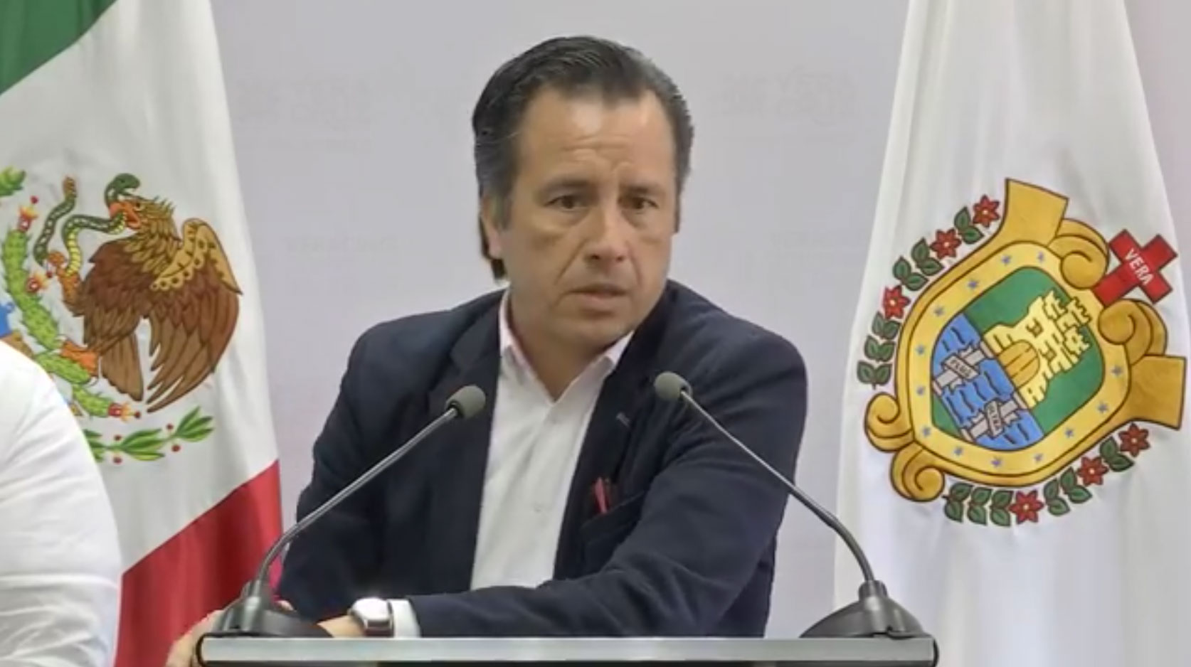 Entre el Gobierno del estado y el fiscal general Jorge Winckler Ortiz no hay guerra, aseguró elgobernador Cuitláhuac García Jiménez, al señalar que siempre ha habido coordinación entre ambos pese a las diferencias.