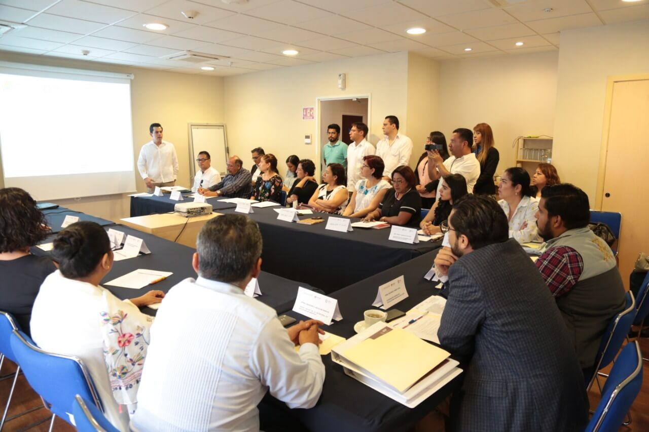 La Secretaría de Educación de Veracruz (SEV) dispersó 88 millones 251 mil 140 pesos del Programa Federal de la Reforma Educativa, a través del componente 2 dirigido a directores, resultando beneficiadas mil 764 escuelas; mientras que en el componente 3 se incluyeron 524 supervisiones de zona de Educación Básica.