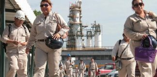 Petróleos Mexicanos (Pemex) y el Sindicato de Trabajadores Petroleros de la República Mexicana (STPRM) acordaron el incremento al salario y prestaciones de los trabajadores.