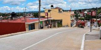 El presidente municipal, Hipólito Rodríguez Herrero entregó las obras de pavimentación de la calles 1 y 4, en la colonia El Sumidero, después de más de 30 años de gestiones ciudadanas.
