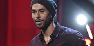 """Enrique Iglesias anunció que el 4 de octubre presentará su próximo el álbum """"Grandes éxitos"""", en el que recopilará 16 de sus canciones más populares, entre ellas """"Bailando"""" y """"Hero""""."""