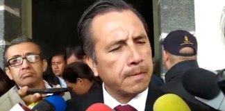 El gobernador, Cuitláhuac García Jiménez anunció que la encargada de despacho de la Fiscalía General del Estado (FGE), Verónica Hernández Giadans, le informó sobre el cambio de titular de la Unidad Especializada Contra el Secuestro (UECS) y el de la Policía Ministerial.