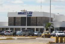 Este viernes, la Secretaría de Protección Civil (PC) reportó el aterrizaje de emergencia de una aeronave en el municipio de Minatitlán.