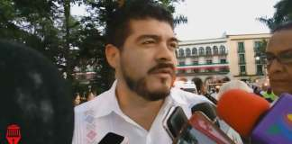 El titular de la Secretaría de Educación de Veracruz (SEV), Zenyazen Escobar García reconoció que no cuenta con un censo actualizado de las escuelas que presentan daños por el sismo de 2017.