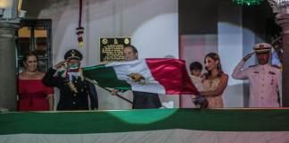 En el marco de la conmemoración de 209 años del Día de la Independencia de México, este domingo el presidente municipal de Veracruz, Fernando Yunes Márquez encabezó las celebraciones y el acto protocolario.