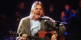 El suéter que utilizó Kurt Cobain, líder de la banda estadounidense Nirvana, durante uno de sus últimos conciertos, será subastado, luego de que también hace unos días se pusiera en venta la casa en la que el cantante se quitó la vida el 5 de abril de 1994.