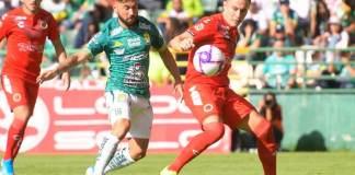 El punto sumado por los Tiburones Rojos de Veracruz ante León en la fecha 13 del Torneo Apertura 2019 de la Liga MX, dejó satisfecho al estratega escualo Enrique López Zarza.