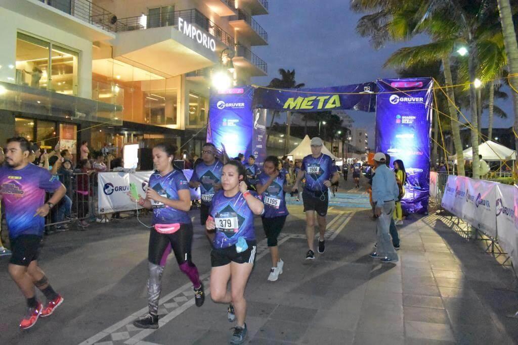 Las inscripciones para la quinta edición del Medio Maratón Nocturno Musical GRUVER presentado por Imagen Radio, han comenzado a agotarse, es un hecho que estarán participando más de 2 mil corredores el próximo 26 de octubre en la zona conurbada de Veracruz y Boca del Río.