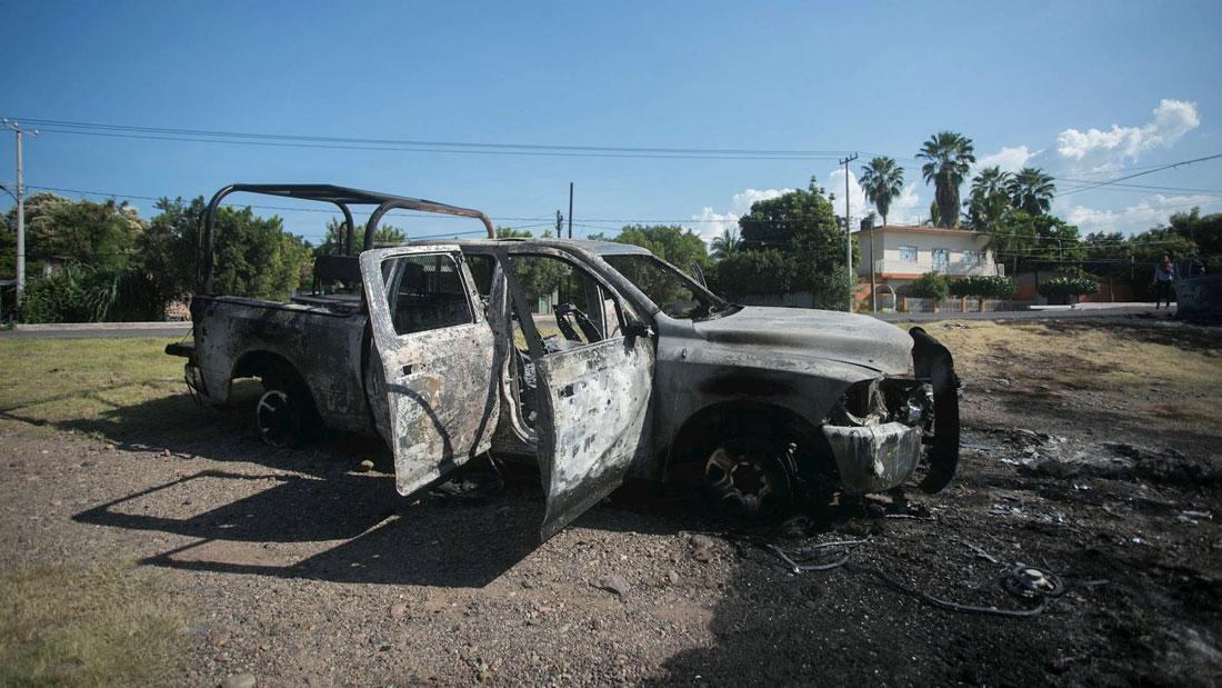 La Comisión Nacional de los Derechos Humanos (CNDH) exigió el efectivo esclarecimiento del homicidio de policías estatales de Michoacán durante una emboscada ocurrida este lunes en El Aguaje, municipio de Aguililla.