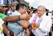 Este sábado, el presidente Andrés Manuel López Obrador continuó con su gira de trabajo por el estado de Sinaloa.