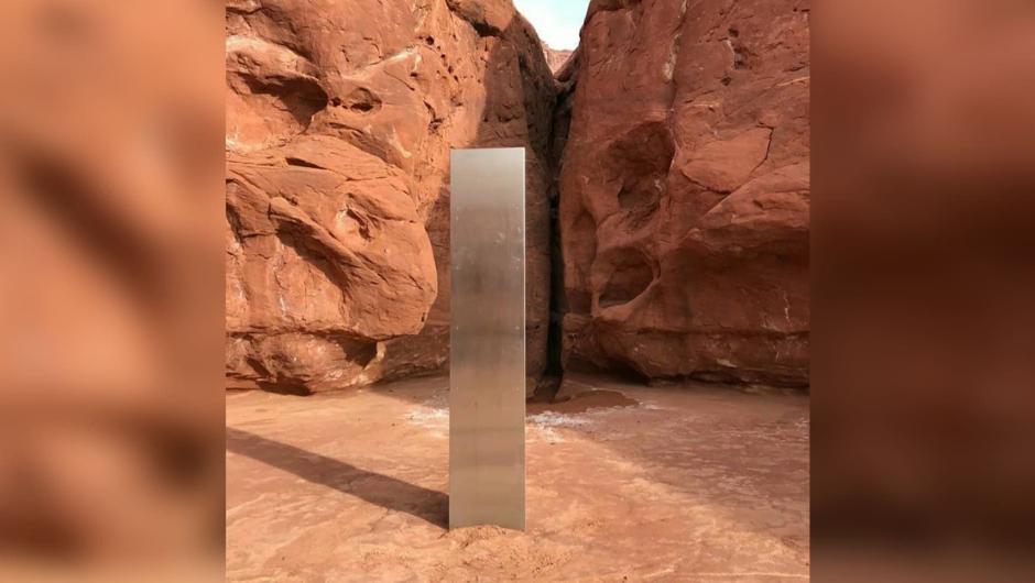 Descubren un misterioso monolito de metal en las profundidades del desierto en Utah