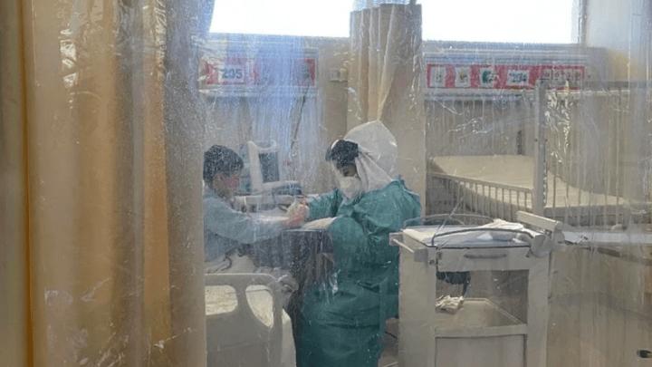 Enfermera en Sonora ayuda a niños con Covid para que no se sientan solos