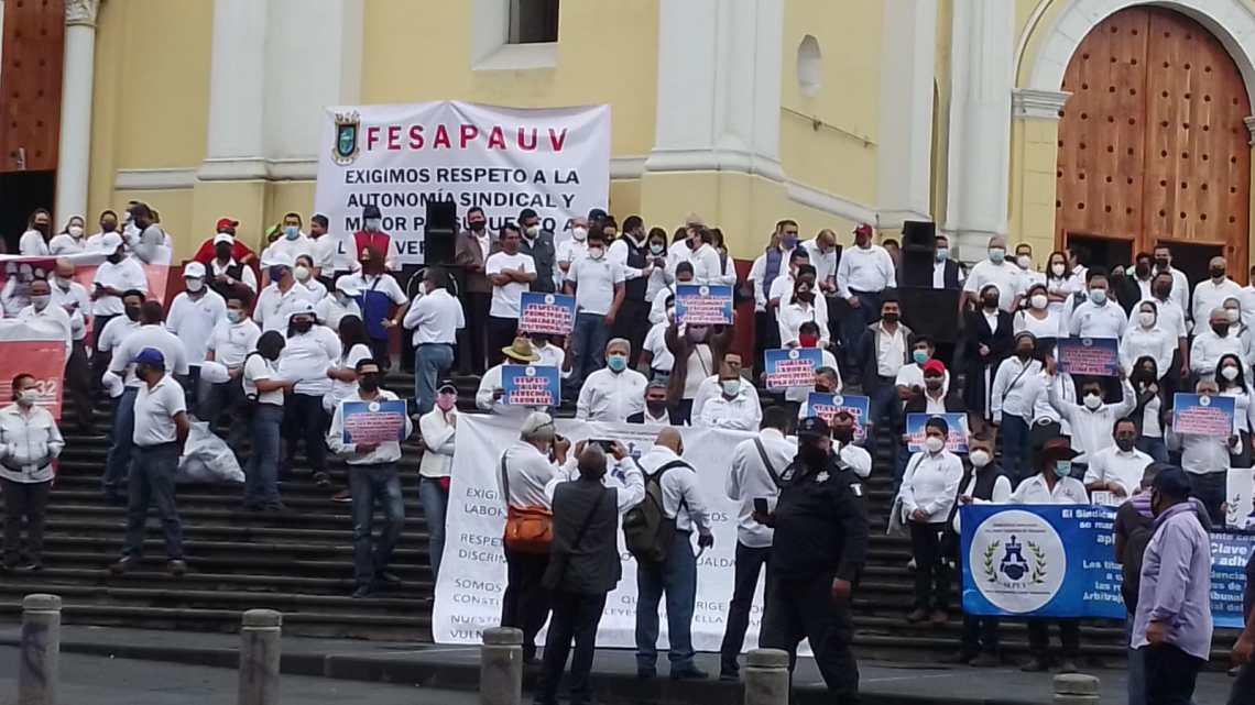 """Con protesta celebran """"Día del Trabajo"""""""