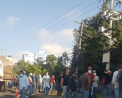 Este sábado jóvenes realizaron labores de limpieza en la Lázaro Cárdenas
