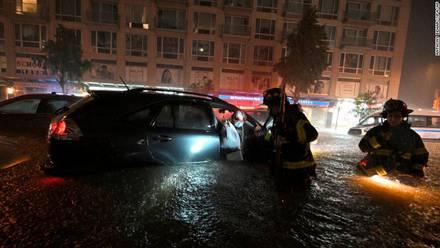 """Declaran a Nueva York en estado de emergencia por huracán """"Ida""""; 13 muertos"""