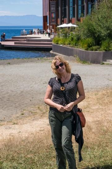Michelle in front of Teatra del Lago