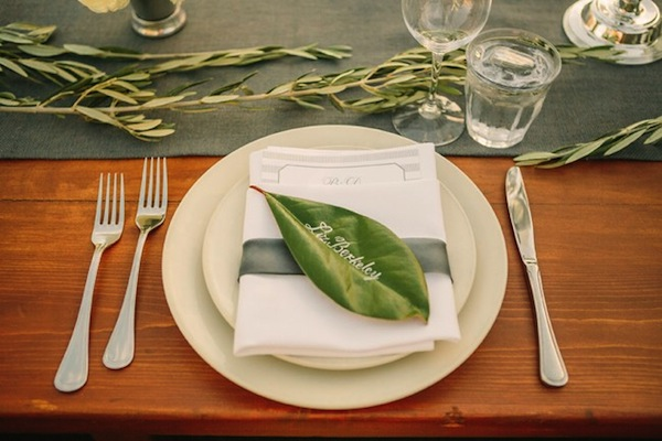 magnolia-leaf-place-setting