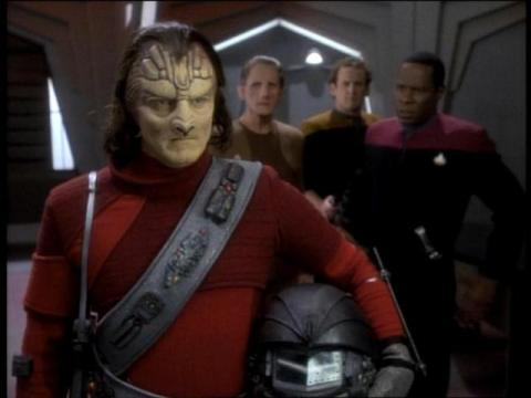 ds9-s1-captive-pursuit