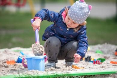 Zabawki do piasku – bawią i rozwijają dziecko