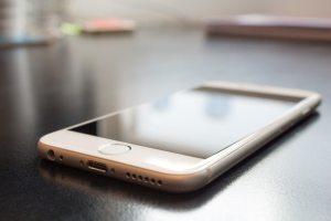 should schools ban smartphones in class
