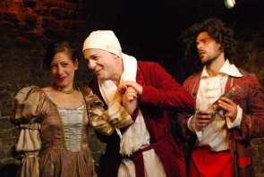 Argan, le malade (Pierre-François Kettler) exprime tout son amour à sa femme
