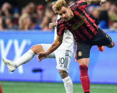 Atlanta United player uses his head to control the ball vs DC United FC #atlutd, #mlssoccer, #mls, #soccer