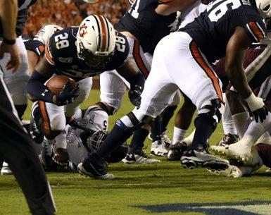 Bo Nix Quarterback Auburn #WarEagle, #AUNextLevel, #auburn, #auburntigers, #secfootballTigers scores a touchdown