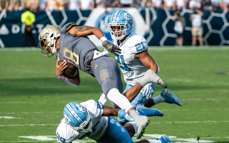 Georgia Tech Yellow Jackets in a Free Fall of a loss to Unc Tarheels 38-22 #togetherweswarm, #404theculture, #yellowjackets, #Georgiatech